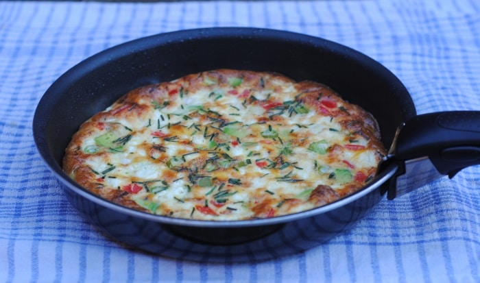 Feta, Red Pepper and Avocado Frittata - Hungry Healthy Happy