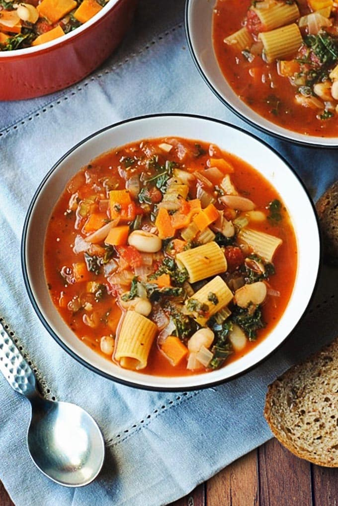 Pasta, beans and vegetables in broth