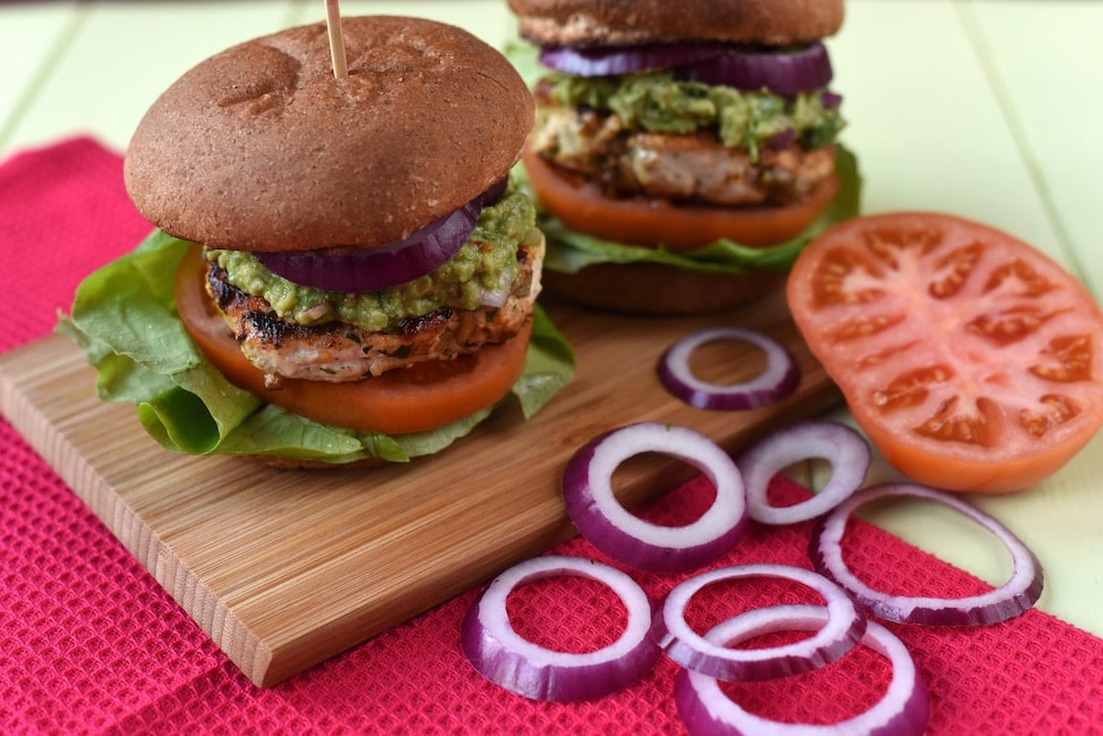 chicken-and-cheddar-guacamole-burger-4