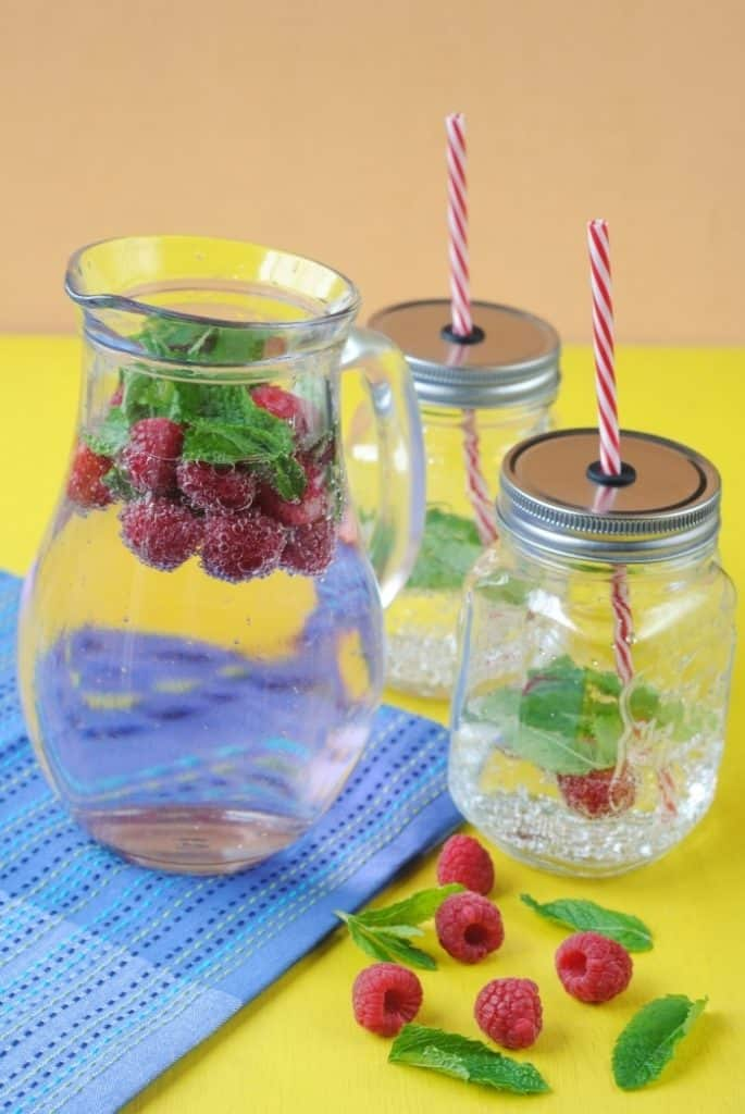Raspberry & Mint Sparkling Water
