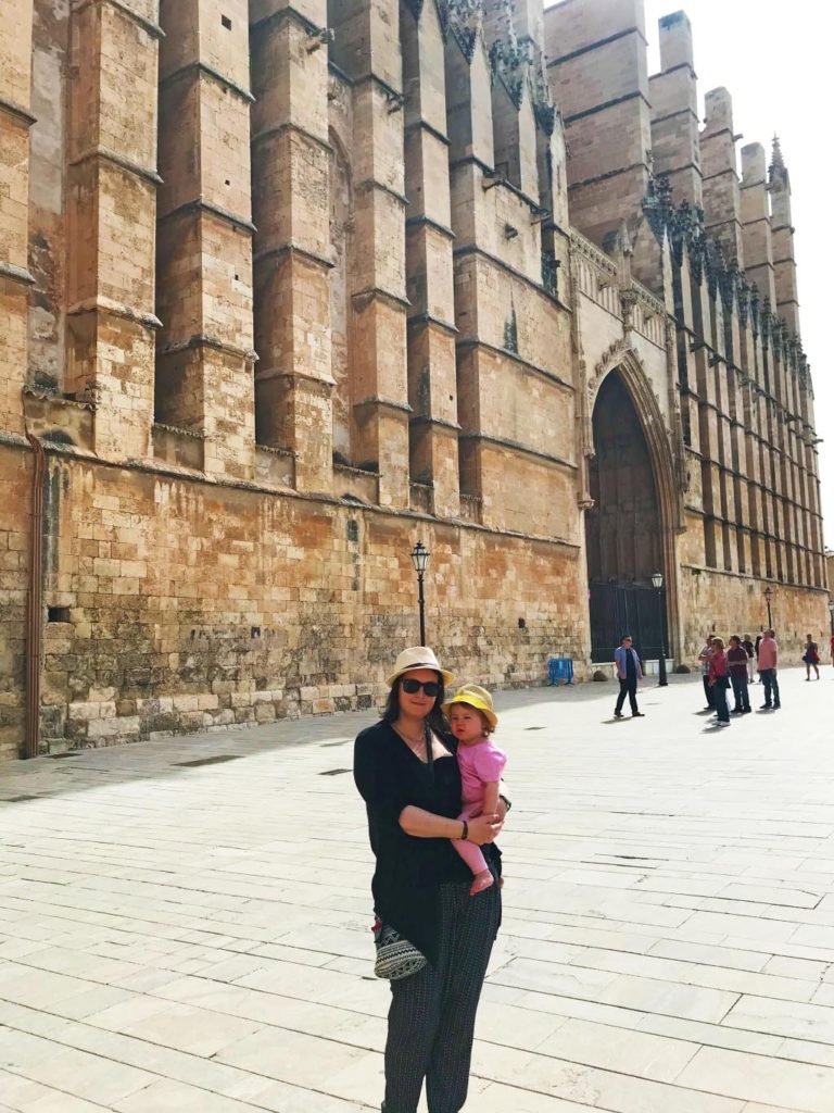 Dannii and Avery in front of Palma Cathedral