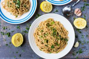 15 Minute Garlic and Herb Spaghetti