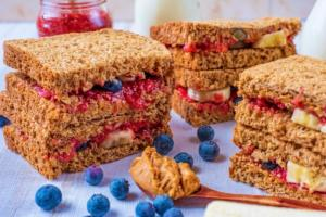 Healthy Peanut Butter and Jelly Sandwich