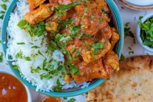 Tomato and Garlic Chicken Curry